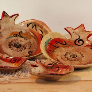 קערה בצורת רימוןסטודיו בר, קערה מקרמיקה בעבודת יד בצורת רימון מתנה לראש השנה
